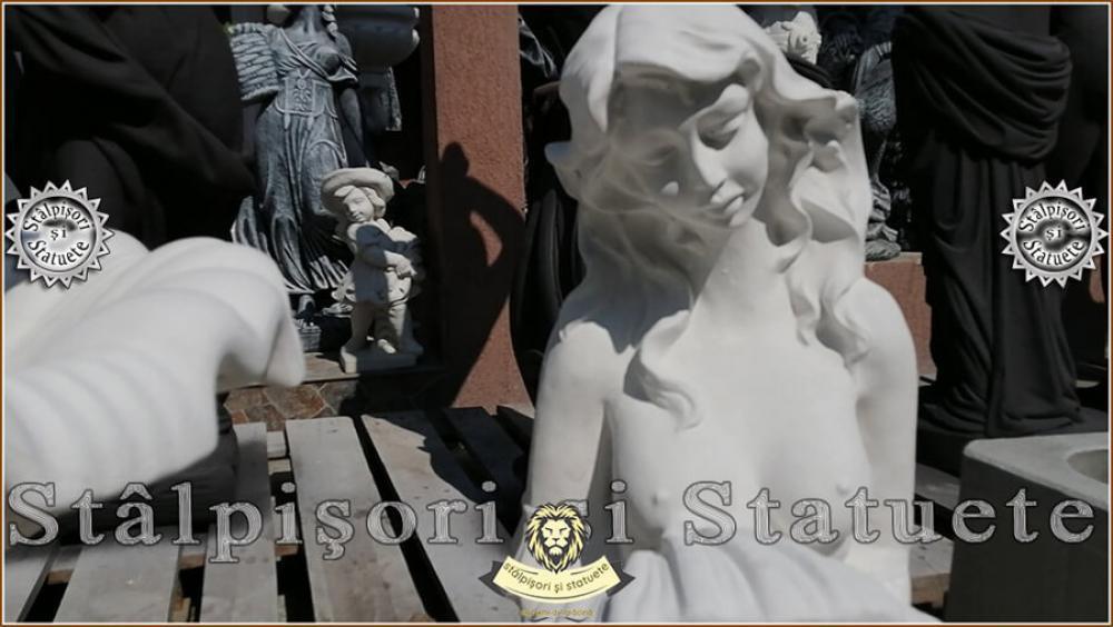 Statueta sirena cu scoica, din beton, model S49. - 2